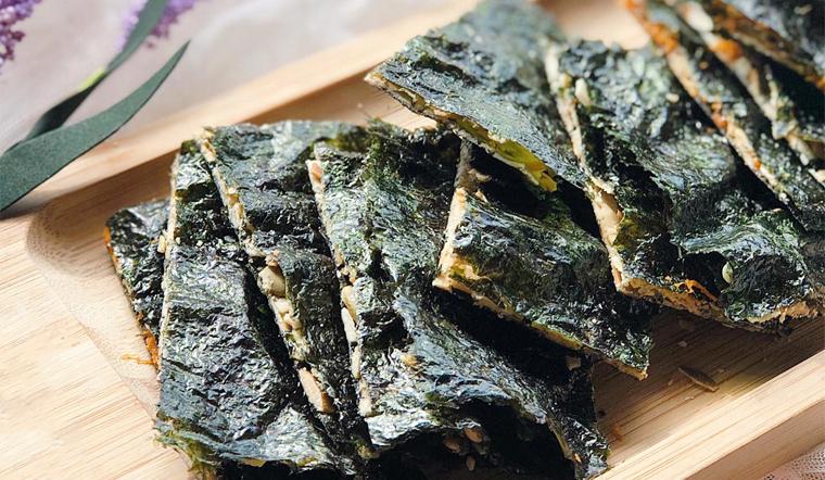 Cách làm snack rong biển kẹp hạt thơm ngon giòn rụm, cực bổ dưỡng