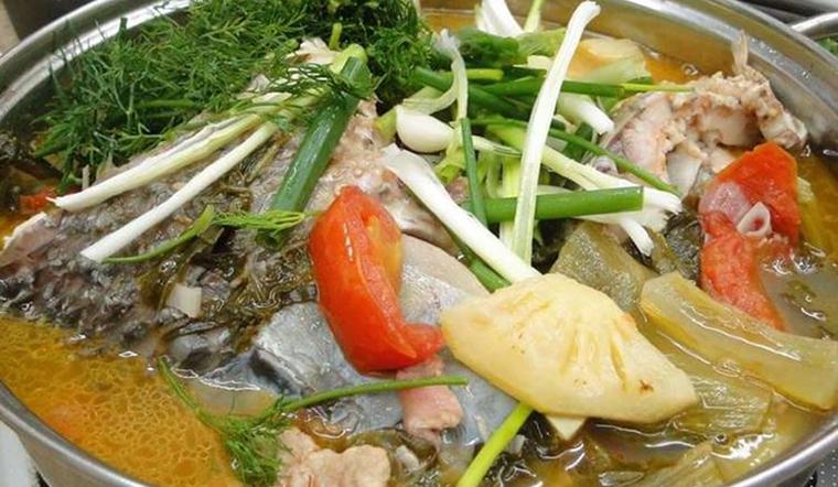 Cách làm lẩu cá trắm ngọt thơm, không tanh cực bổ dưỡng