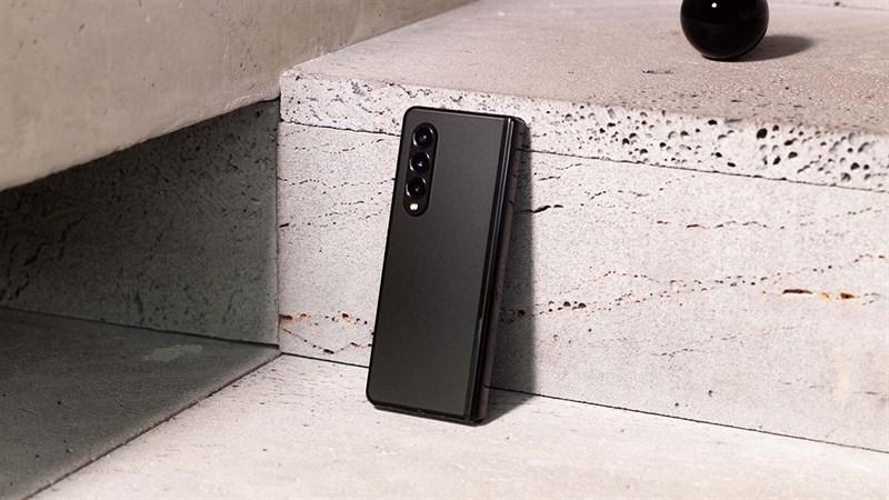 Galaxy Z Fold3 5G sở hữu thiết kế mới mỏng nhẹ hơn