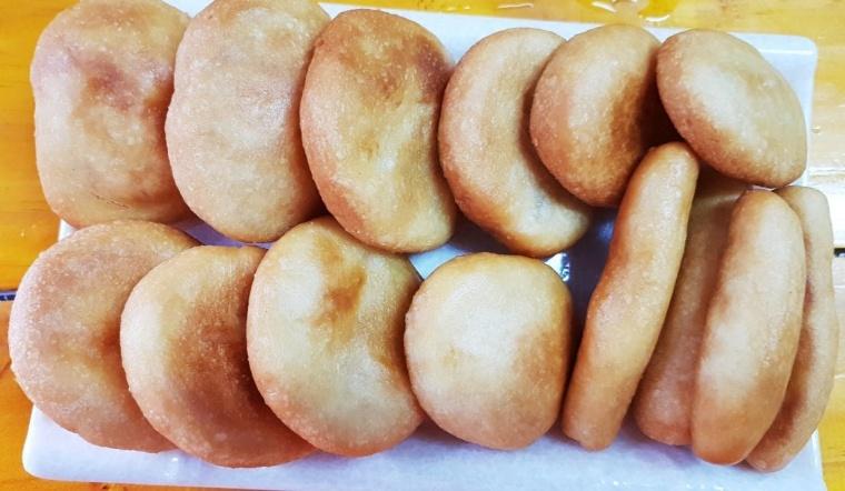 Cách làm bánh rán bột nếp dẻo ngon, giòn rụm