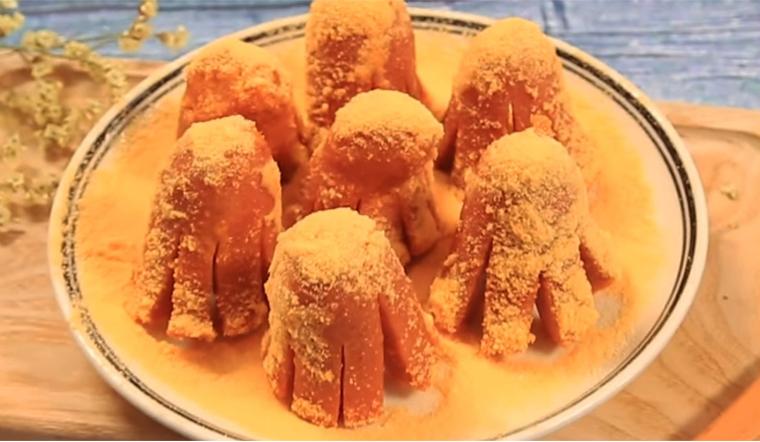 Cách làm xúc xích bạch tuộc lắc phô mai thơm ngon, ăn là ghiền