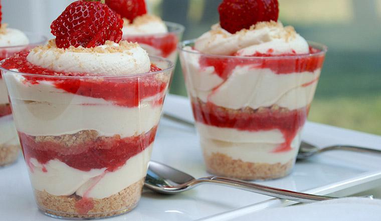 Cách làm trifle - món tráng miệng đẹp mắt, độc đáo cho mùa Noel