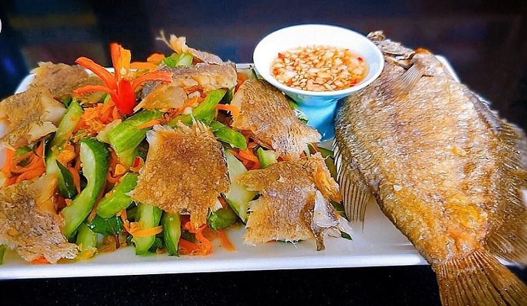 Trổ tài vào bếp làm món gỏi dưa leo khô cá sặc cực hấp dẫn tại nhà