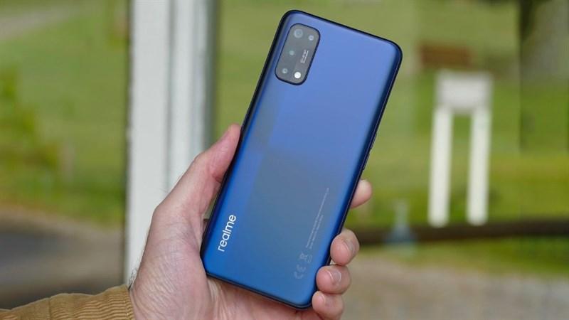 Thiết kế của chiếc điện thoại Realme 5G bí ẩn được hé lộ: Dùng màn hình giọt nước, camera kép mặt lưng