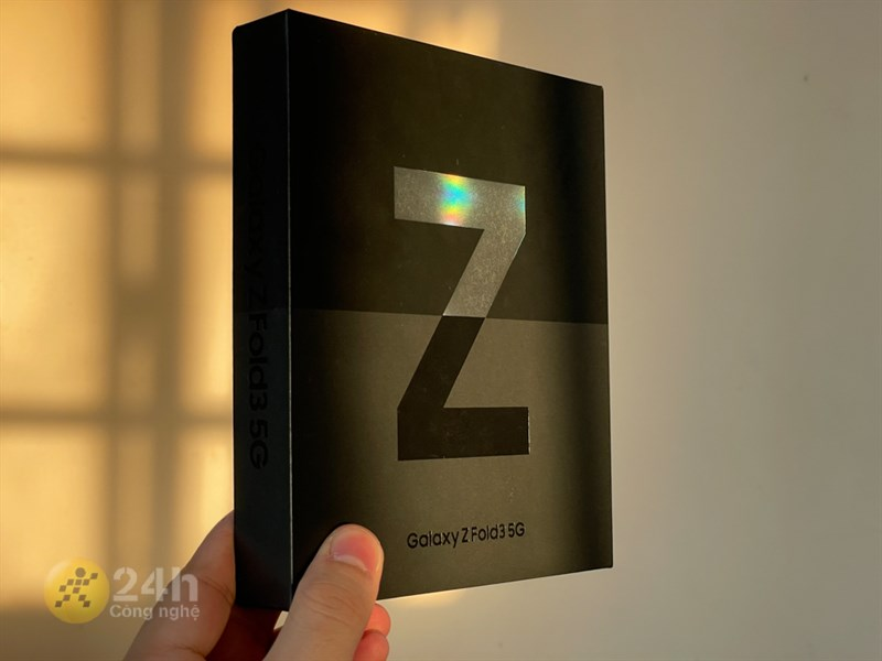 Hộp đựng của Galaxy Z Fold3 5G.