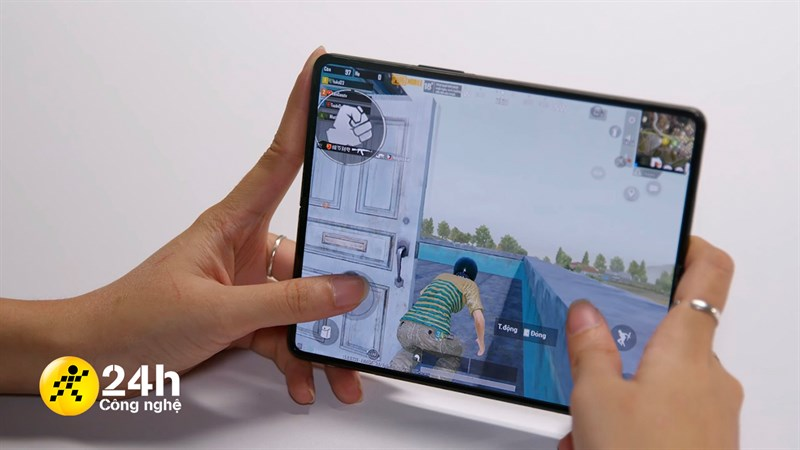 Snapdragon 888 trên Z Fold3 5G sẽ mang đến trải nghiệm chiến game đã hơn rất nhiều.