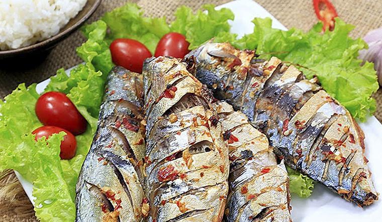 Cách làm cá bạc má nướng tỏi ớt thơm lừng nức mũi cực đơn giản