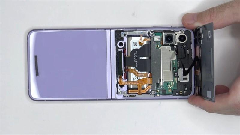 Tháo rời Galaxy Z Flip 3