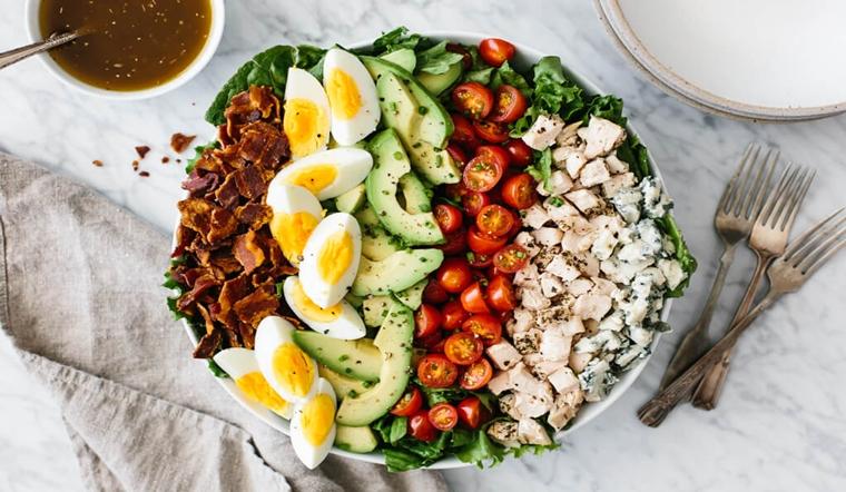 Hướng dẫn cách làm Cobb salad thơm ngon bổ dưỡng đơn giản tại nhà
