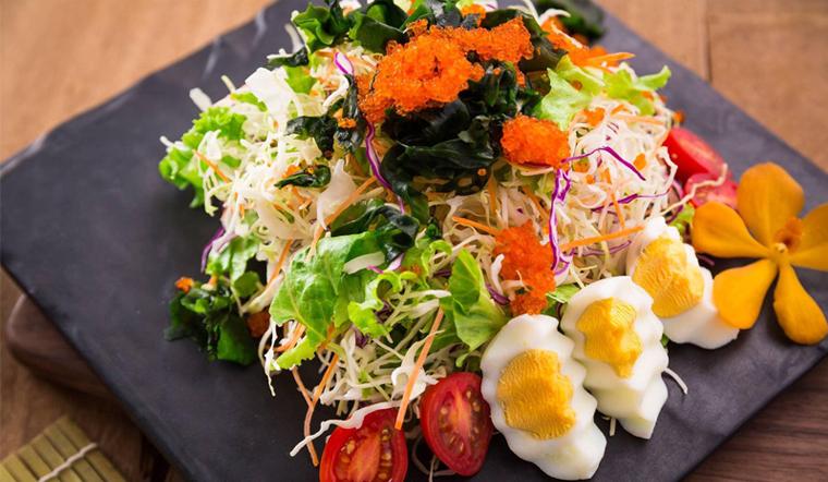 Cách làm salad trứng cá hồi thơm ngon độc đáo bổ dưỡng cho cả nhà