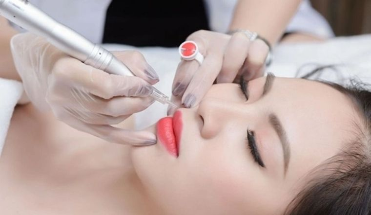 Xăm môi, phun môi nên kiêng ăn gì, bao lâu? Những lưu ý khi xăm môi
