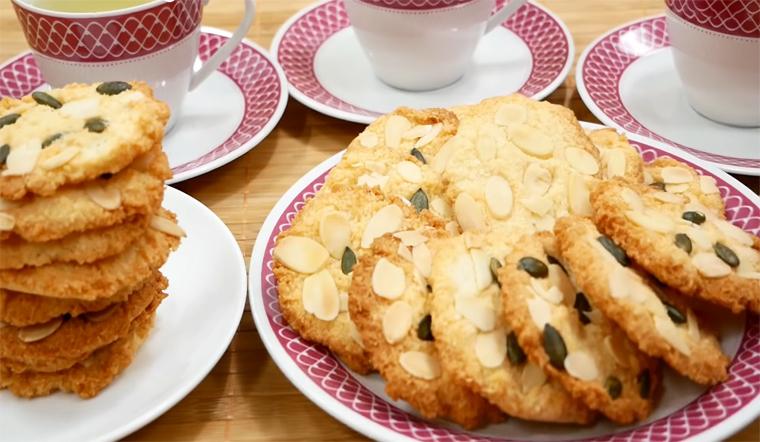 Học ngay cách làm bánh quy dừa hạnh nhân ngon giòn, không cần máy tại nhà