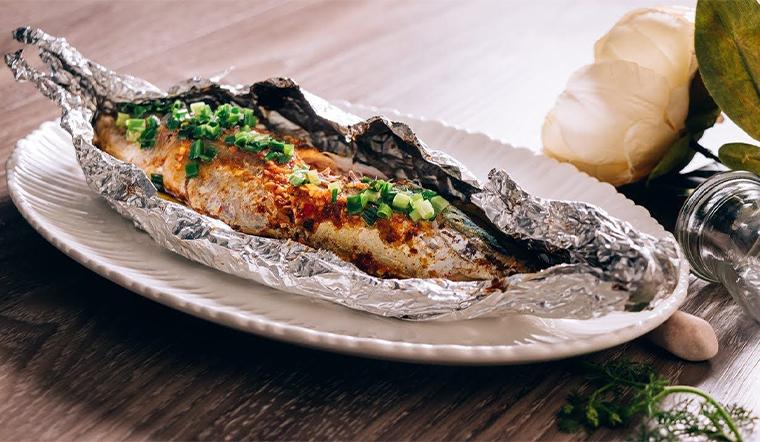 Bí quyết ướp và làm cá ngừ nướng giấy bạc ngon đúng điệu