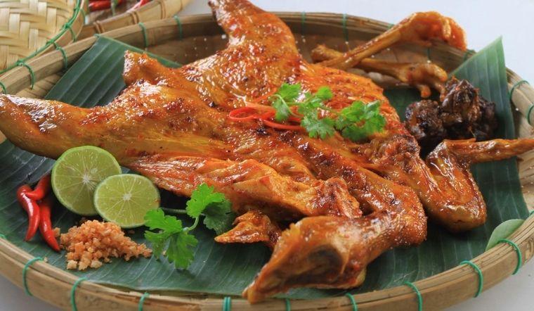 Bí quyết làm món gà quay chảo da giòn thịt ngọt thơm