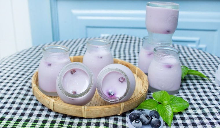 Cách làm sữa chua việt quất thơm ngon béo ngậy tại nhà