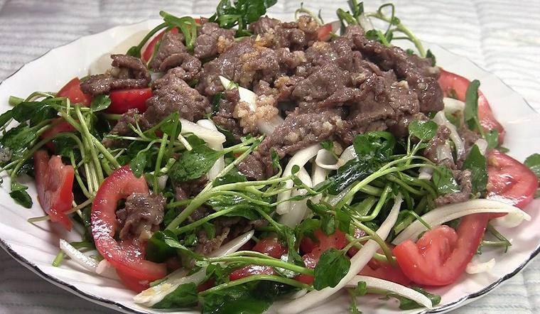 Cách làm thịt bò trộn xà lách xoong thơm ngon bổ dưỡng đơn giản tại nhà