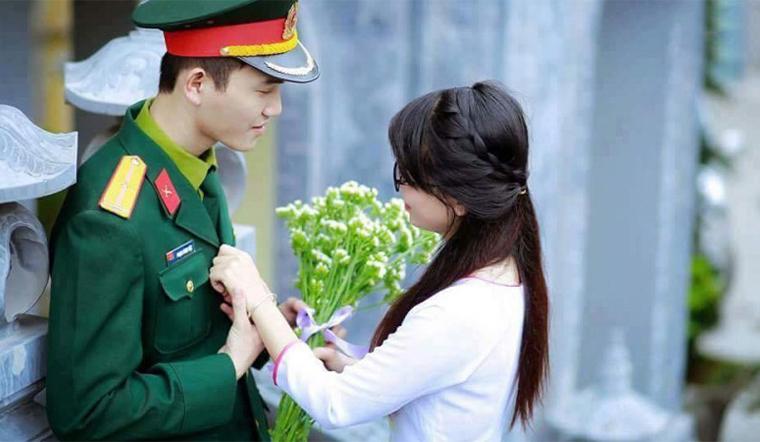 Top những bài thơ, câu nói, status hay và cảm động về tình yêu người lính