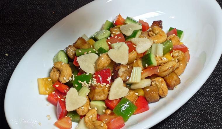 Cách làm món salad cầu vồng chay thanh đạm, đẹp mắt đổi vị cho ngày rằm