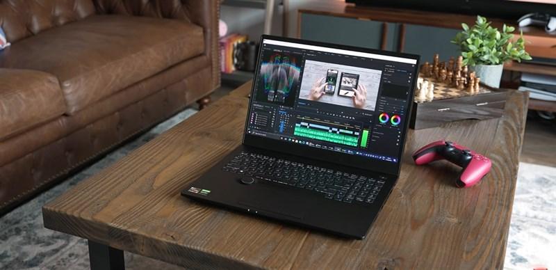 ASUS ProArt StudioBook 16 OLED hỗ trợ rất nhiều tùy chọn cấu hình khác nhau. Nguồn: The Tech Chap.