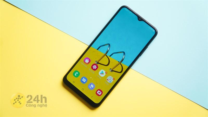 Đây là 5 mẫu điện thoại mới nhất, cấu hình ổn, camera đẹp, pin trâu rất đáng mua trong tầm giá dưới 5 triệu tại Thế Giới Di Động