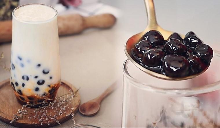 Cách làm sữa chua trân châu đường đen ngọt thơm, hấp dẫn tại nhà