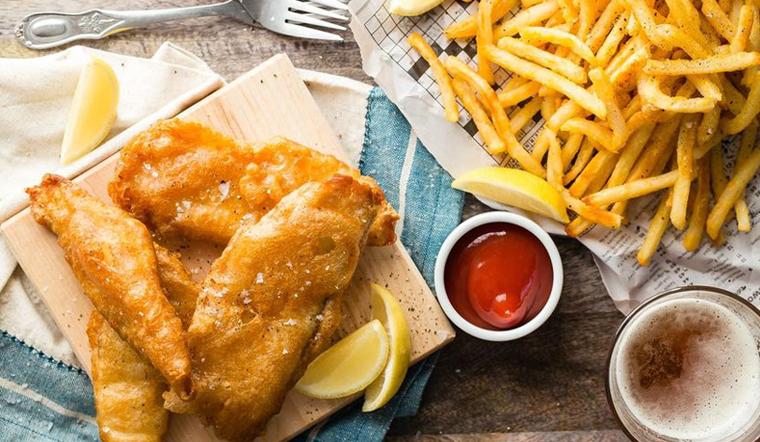 Hướng dẫn cách làm Fish & Chips ngon chuẩn vị người Anh
