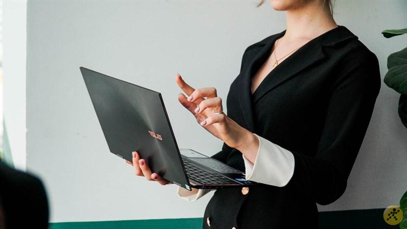 Có nên mua laptop ASUS không? ASUS là hãng nào, xuất xứ từ đâu, có những điểm mạnh gì? Mua dòng nào tốt?