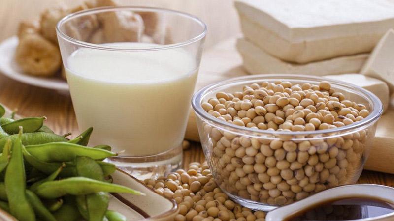 Đậu nành là một loại đậu cung cấp nhiều chất xơ, khoáng chất, và nhiều loại vitamin khác, trong đó có cả vitamin B2
