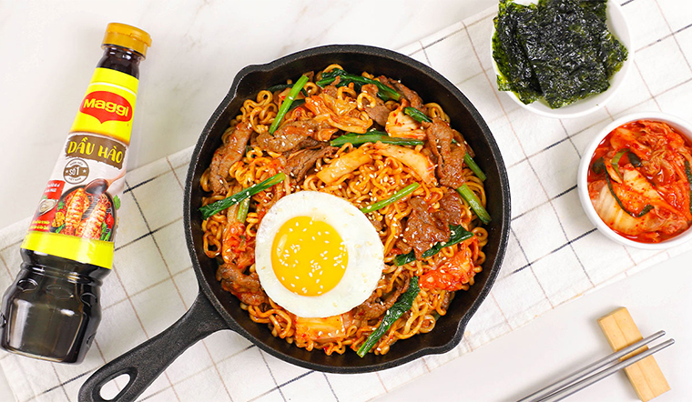 Hướng dẫn làm mì xào Hàn Quốc ngon chuẩn vị với cách làm siêu nhanh
