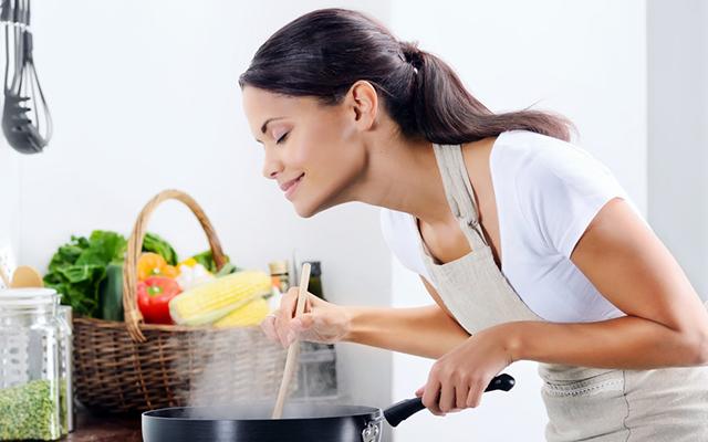 Bạn có thể sử dụng nước ion kiềm để nấu ăn giúp thức ăn thơm ngon và dinh dưỡng