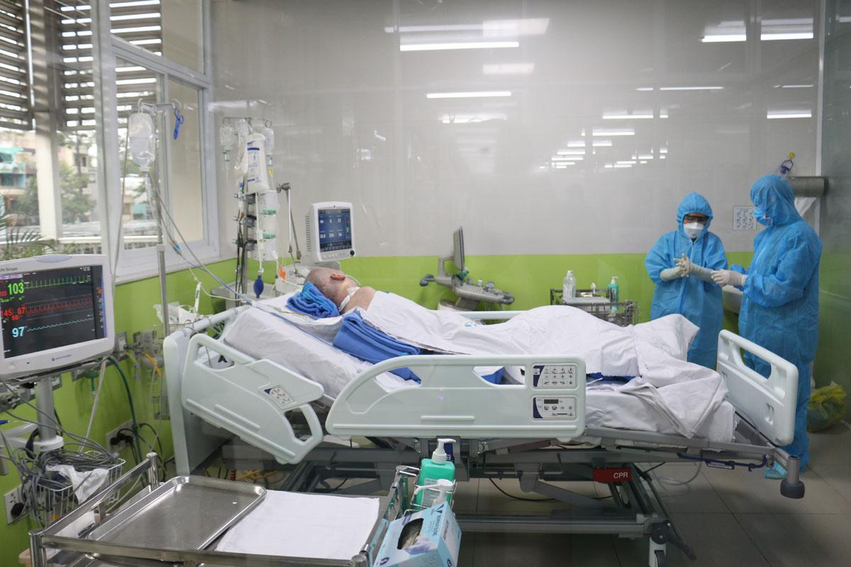 Virus càng tấn công nhiều vào các tế bào, thì sẽ làm cho cơ thể con người yếu dần