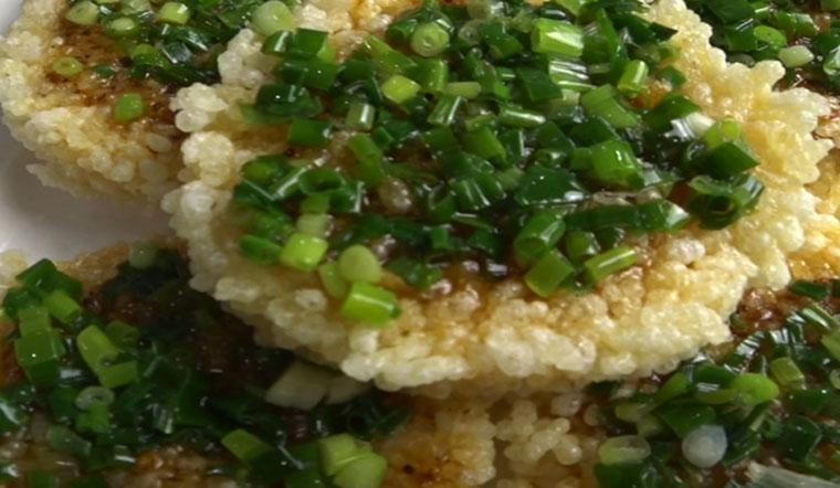Tận dụng cơm nguội và các nguyên liệu đơn giản làm ngay món ăn vặt ngon bá cháy