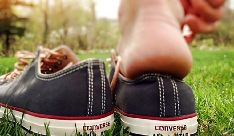10 sai lầm không nên mắc phải khi chọn giày dép vào mùa hè giúp bảo vệ đôi chân