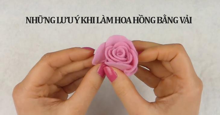 Những lưu ý khi sản xuất hoa hồng vải (Nguồn ảnh: Youtube HANDMADE TV)