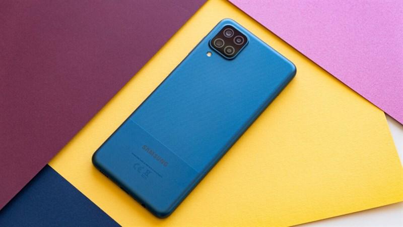 Điện thoại sở hữu camera tốt, pin trâu như Galaxy A12 giá bao nhiêu?