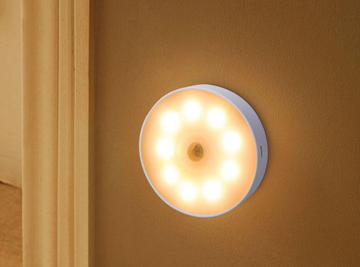 Đèn LED cảm biến chuyển động