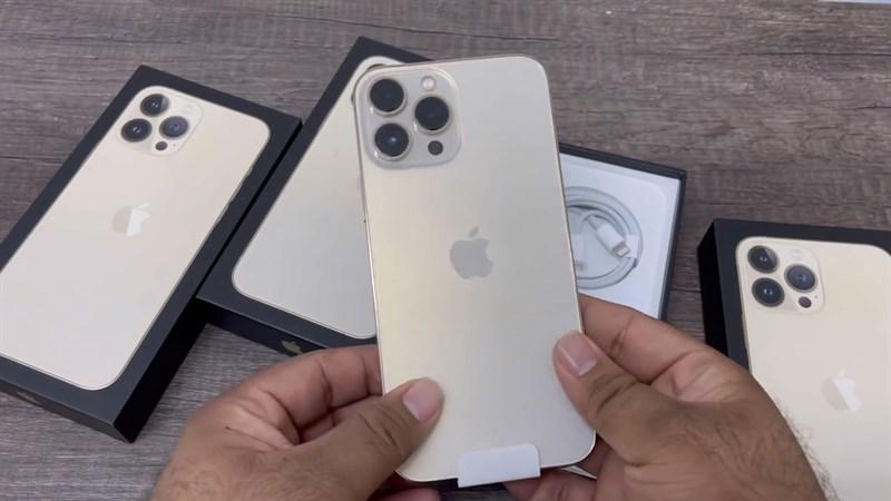 Mở hộp iPhone 13 Pro Max đầu tiên trên thế giới