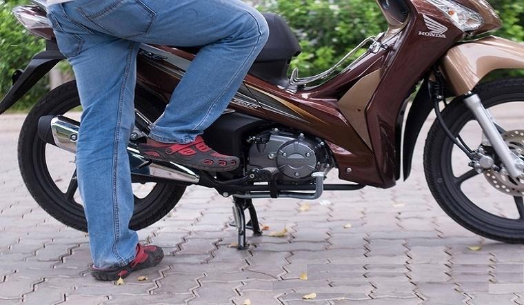 Cách khởi động xe máy không sử dụng lâu ngày nhanh chóng, đơn giản nhất