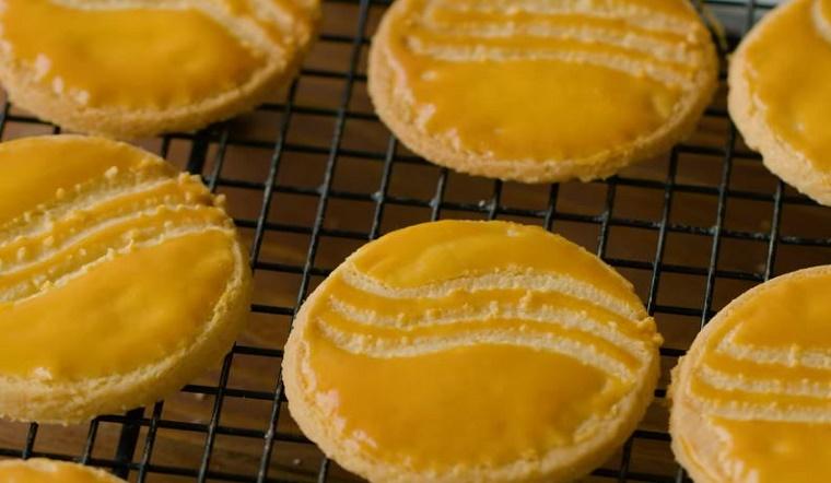 Cách làm bánh quy phô mai hạnh nhân thơm béo, hấp dẫn bằng nồi chiên không dầu