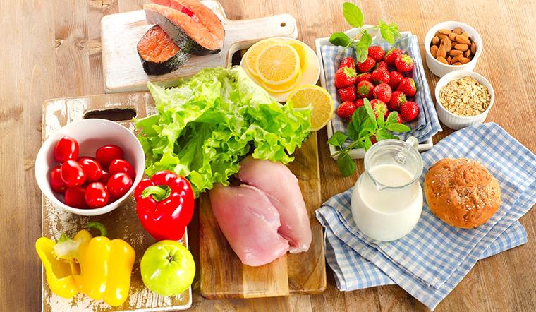 Chế dinh dưỡng cho F0 đang điều trị tại nhà để khỏi nhanh, giảm biến chứng