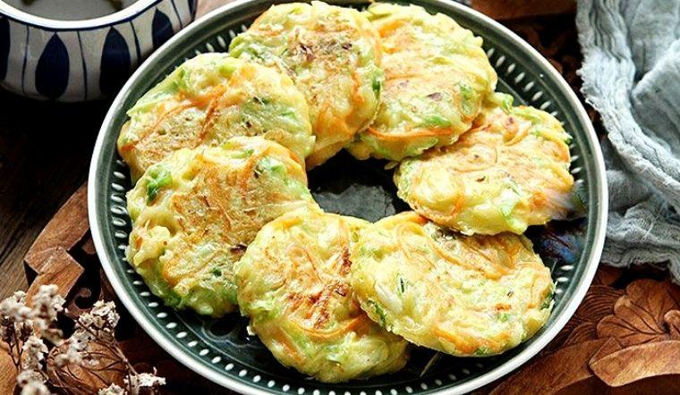 Chỉ vài phút làm món bánh bắp cải bạn sẽ có bữa ăn sáng ngon tuyệt