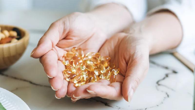 Hầu hết, nguyên nhân gây thừa vitamin D do sử dụng quá liều thực phẩm chức năng bổ sung chất này