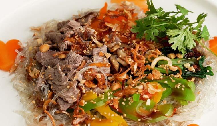 Cách làm miến trộn thịt bò chua chua cay cay thơm ngon hấp dẫn