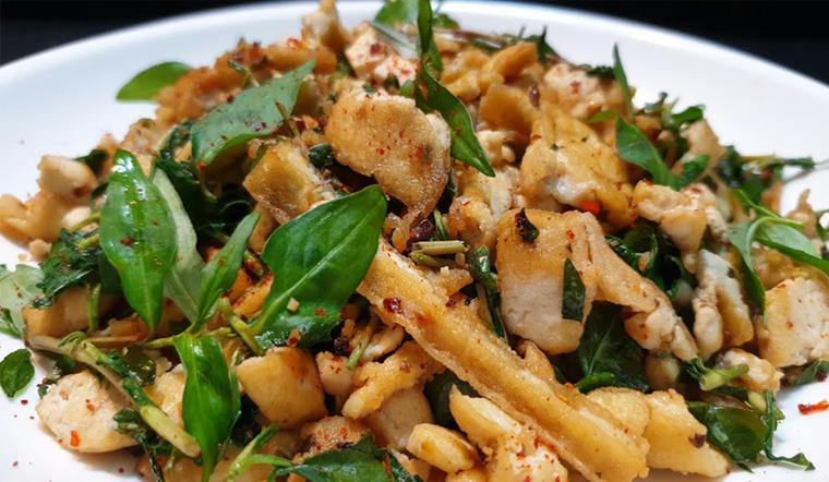 Cách làm món chay đậu hủ xào rau răm thơm ngon lạ miệng dễ làm tại nhà