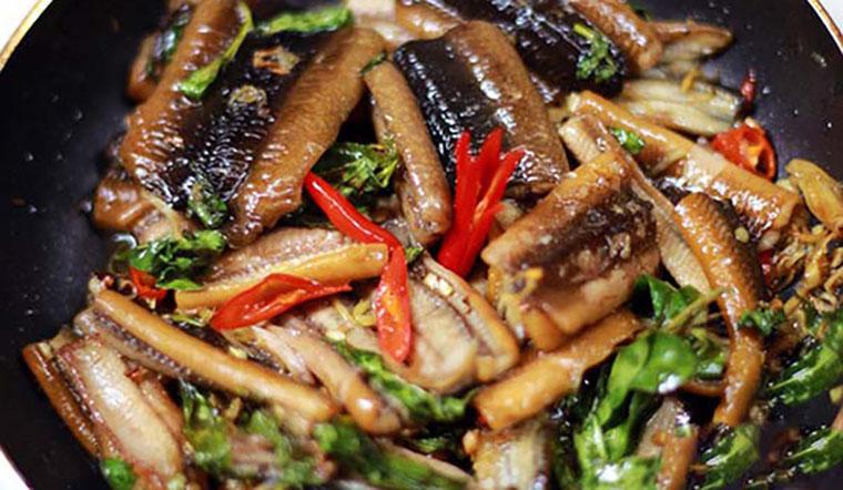 Cách làm lươn xào lá lốt món ngon bổ dưỡng cho cả nhà
