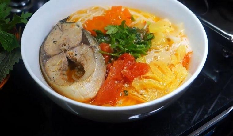 Bí quyết nấu bún cá cam thơm ngon hấp dẫn cực dễ làm tại nhà