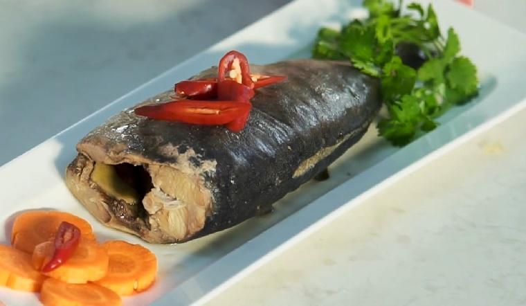 Cách làm cá cam hấp lá chuối thơm ngon chuẩn vị đồng quê