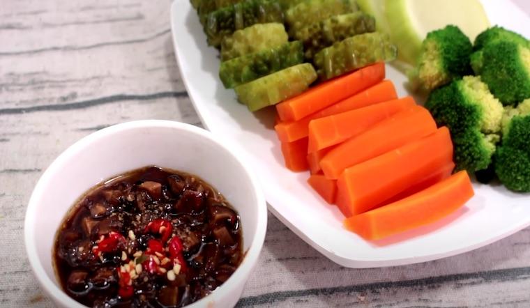 Bí quyết ăn hết nồi cơm với cách làm món nấm đông khô kho tiêu