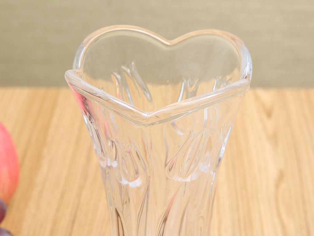 Bình hoa thủy tinh trắng Chung Mộc Hùng 18.5cm