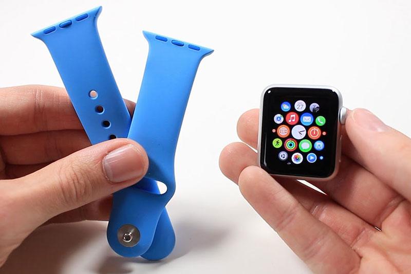Apple Watch S3 GPS, 42mm viền nhôm, dây cao su màu đen có thể tháo rời dây đeo